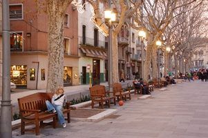 Spain is filled with shops that cater to the sophisticated style of its citizens.