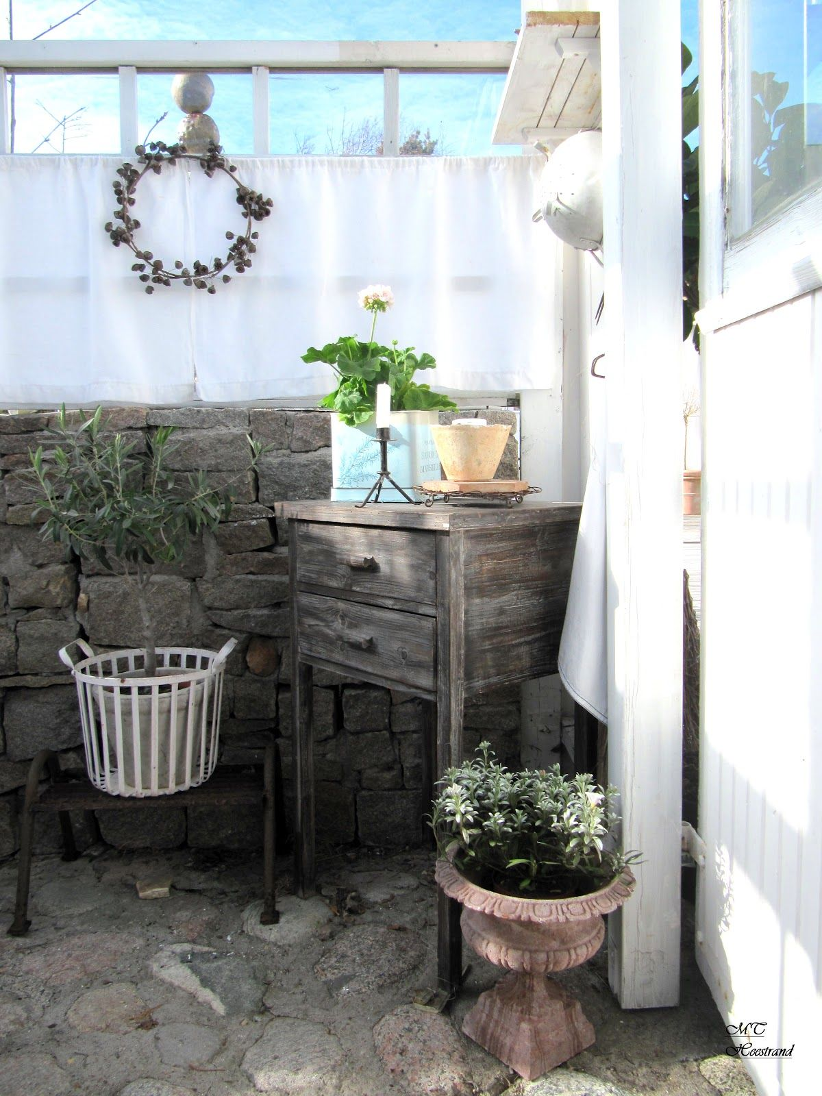 Inside gazebo outside patio garden whitewashed cottage for Patio garden accessories