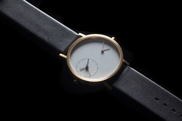 A Watch That Syncs You With Your Long-Distance Lover