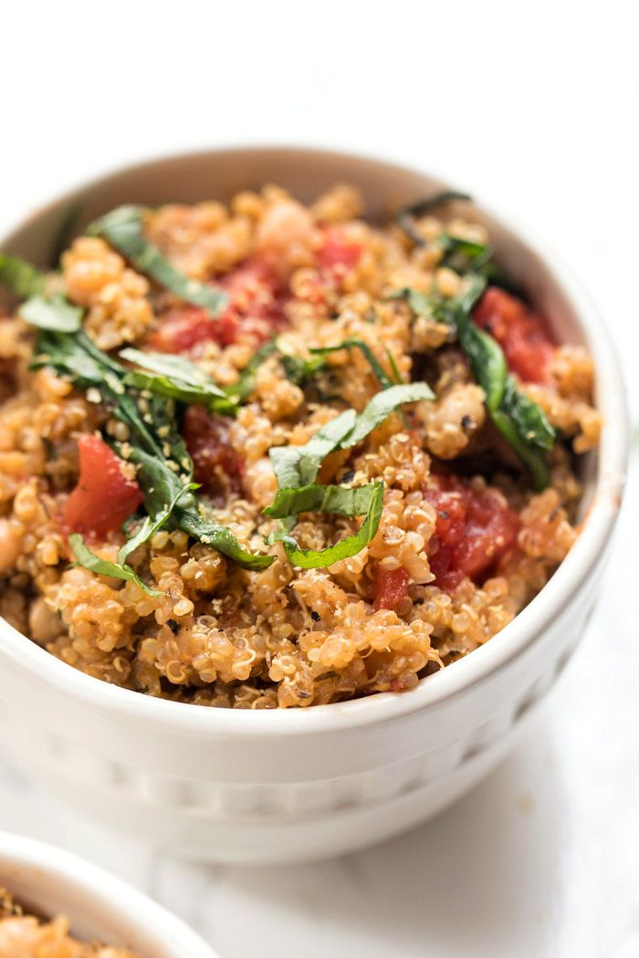 One Pot Italian Quinoa With Tomatoes Basil