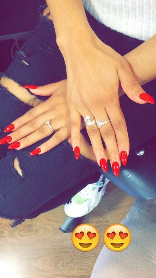 Nails Oval Red | Snygga naglar | Pinterest | Makeup, Nail inspo and ...