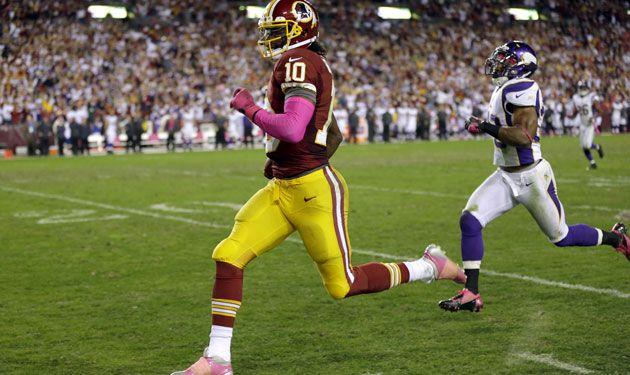 RGIII Track Star QB running a TD against Vikings. #Redskins !!