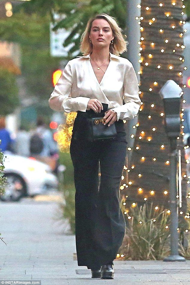 32e6e4b4657 All class  Margot Robbie enjoyed a rare break from work as she stepped out  in Beverly Hill.