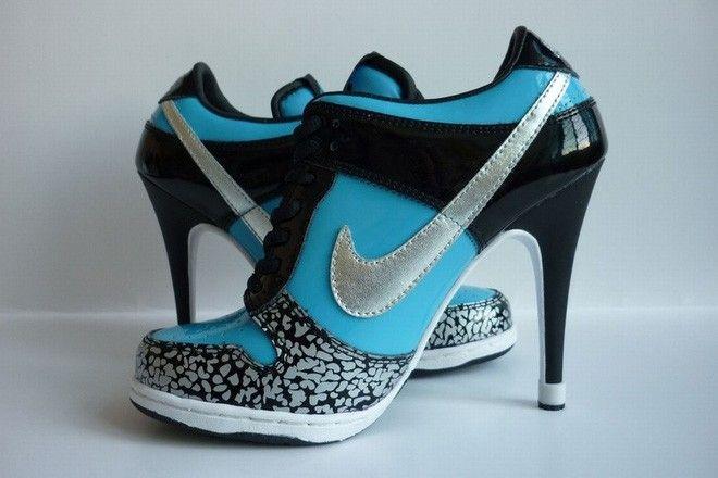 http://www.salesportsheels4u.com/nike-dunk-sb-low-heels-aqua-blue-black-silver.html