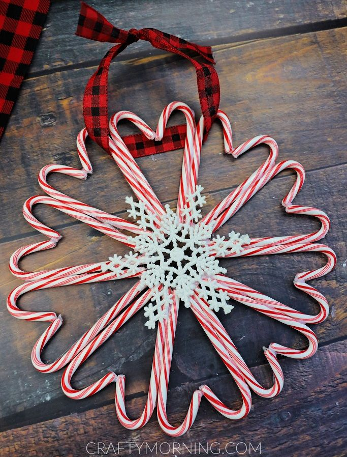 Candy Cane Wreath Craft For Christmas - Crafty Morning #candycanewreath
