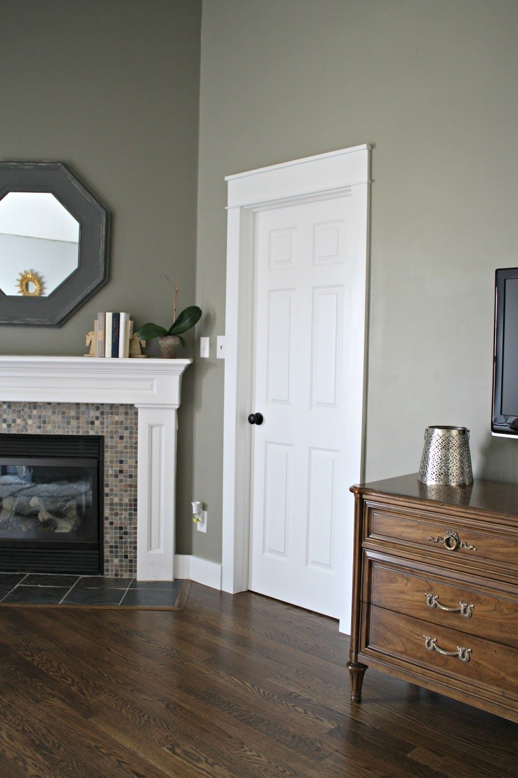 Gaining a few extra inches home decor aka my dream ideas - Grey paint living room ...