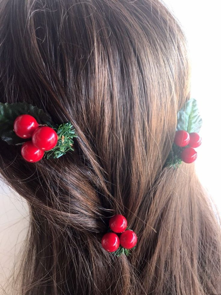 Holiday Hair Clips, Christmas clips, Hair Accessories, winter wedding, bridesmaids, berries hair cli -   14 holiday Hairstyles colour ideas