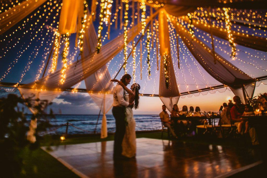 The Beach House Kauai Wedding Beach Reception Goals With Tinkle Lights And Fairytale Set Up Clear Top Beach House Kauai Beach House Restaurant Kauai Wedding