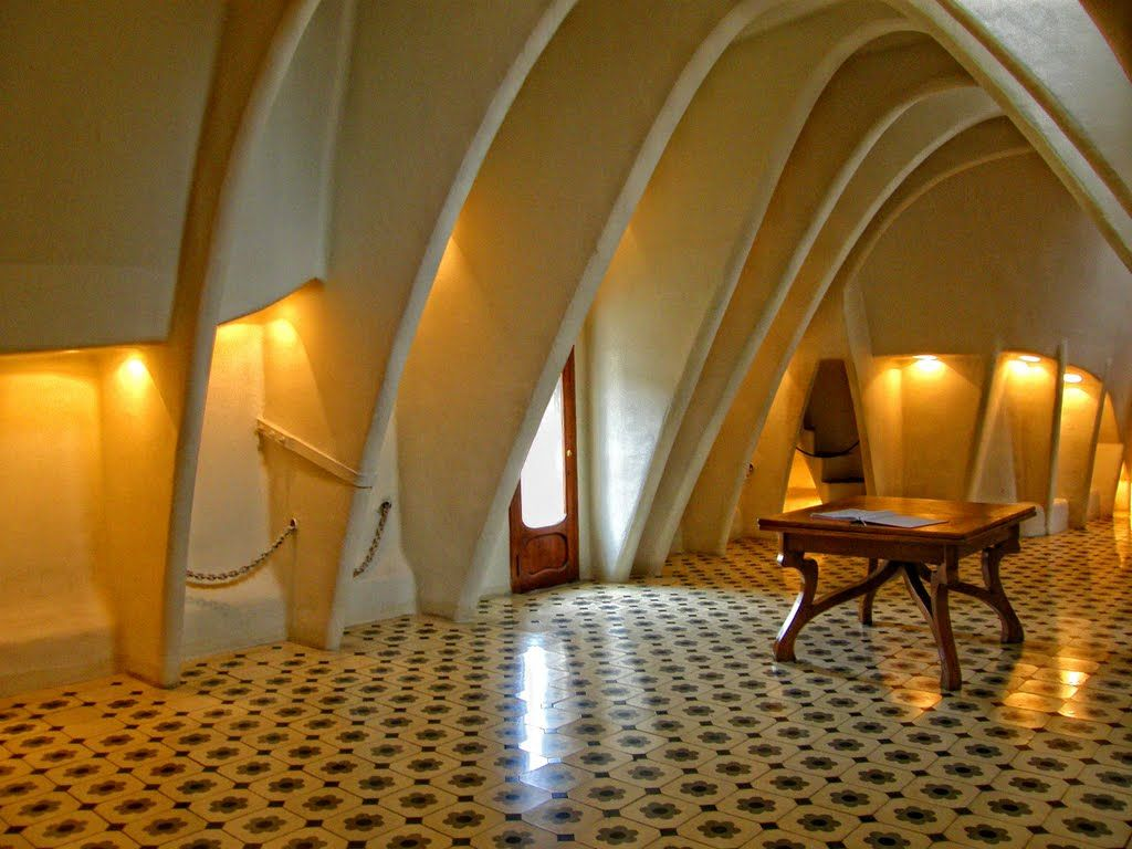 Panoramio - Photo of Interior room in Casa Batllo ...