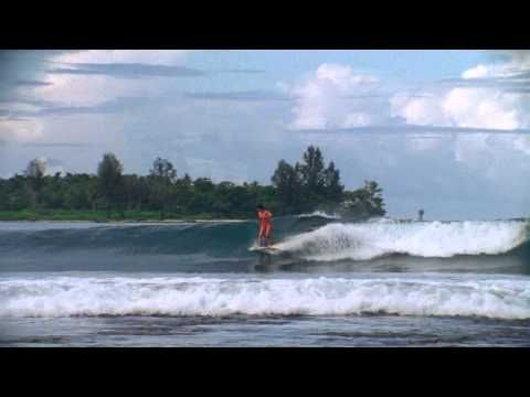 "ROXY Surf Team RIPPING in ""Let The Sea Set You Free"" 2012"