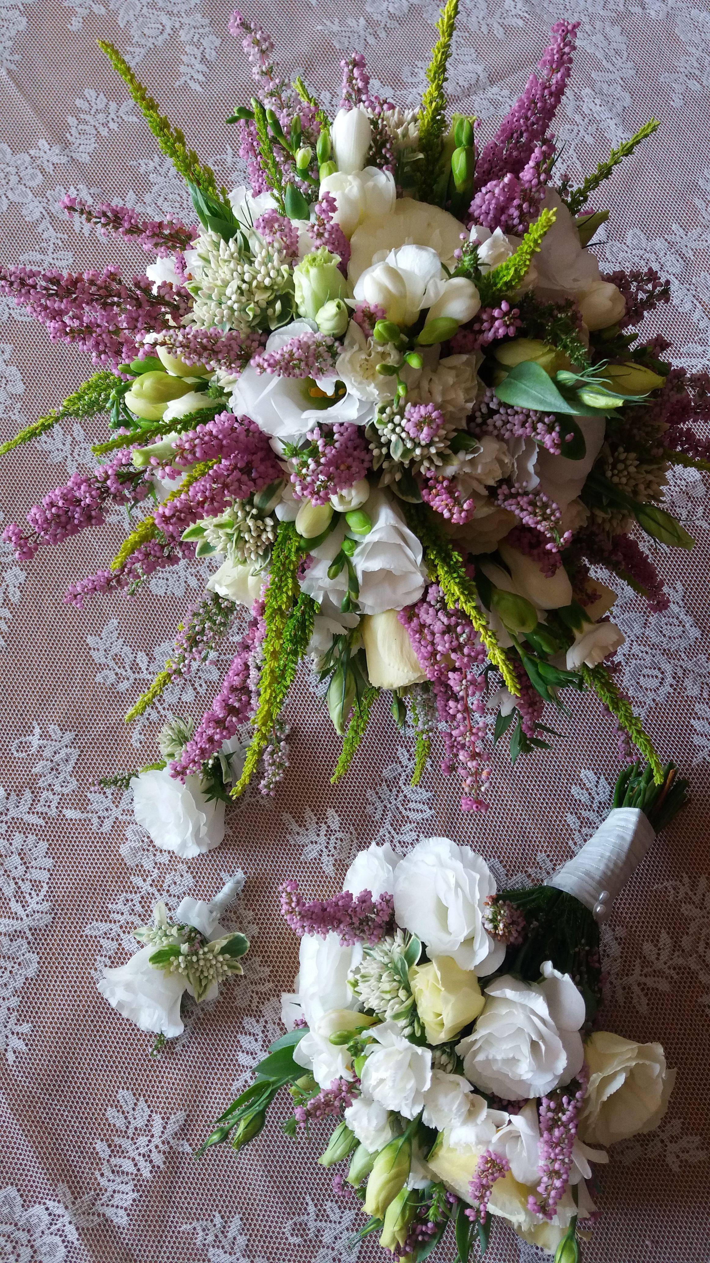 Wrzos I Spolka Komplet Bukietow Slubnych Wedding Flowers Purple Wedding Bouquets Bridal Flowers
