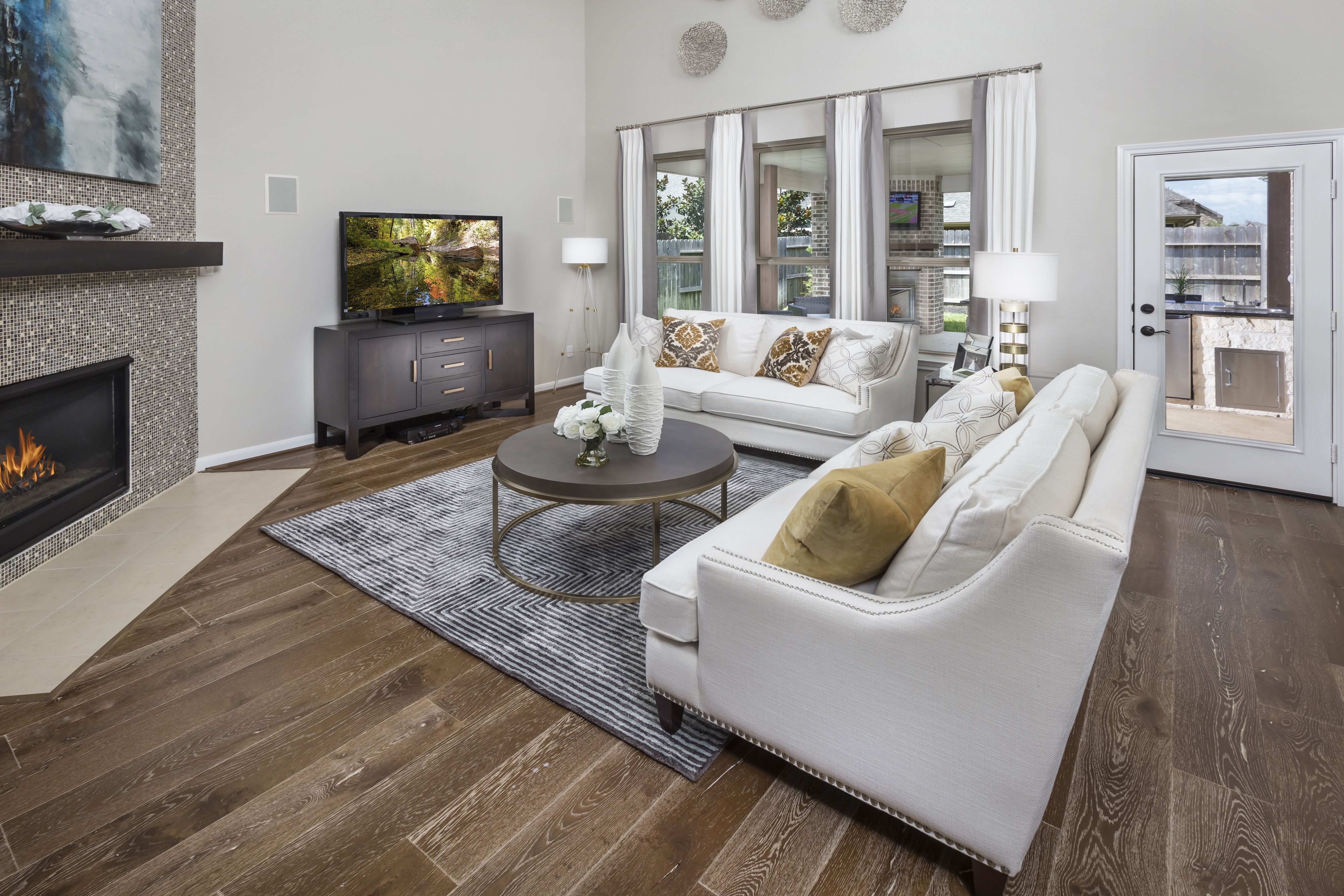 Do You Love To Entertain If So This Family Room Is Calling Your