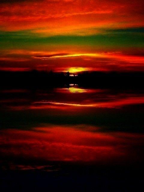 Sunsets & Sunrises -Sunrise   - Sunsets & Sunrises -Surreal Sunrise   - Sunsets & Sunrises -  - Sun