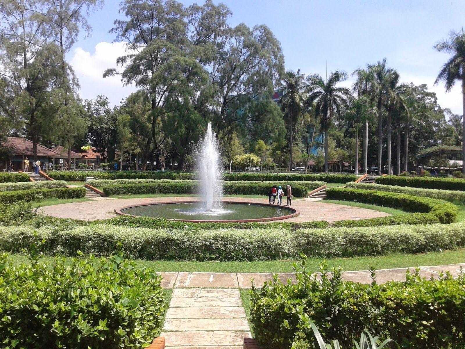 Lokasi Dan Harga Tiket Masuk Taman Bunga Wiladatika Depok Tempat Wisata Keluarga Yang Begitu Menggoda Http Www Dakatour Com Lokas Taman Taman Bunga Tempat
