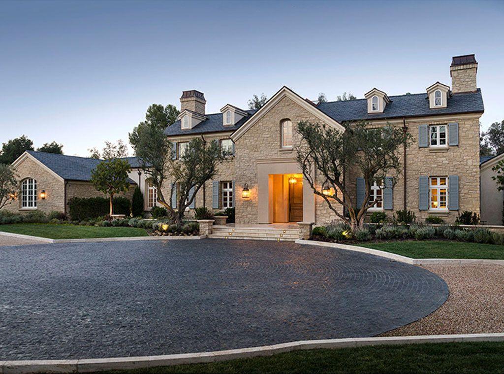 Tour Kim Kardashian And Kanye West S Insane 20 Million Hidden Hills Mansion Kim Kardashian Home Kardashian Home Celebrity Houses