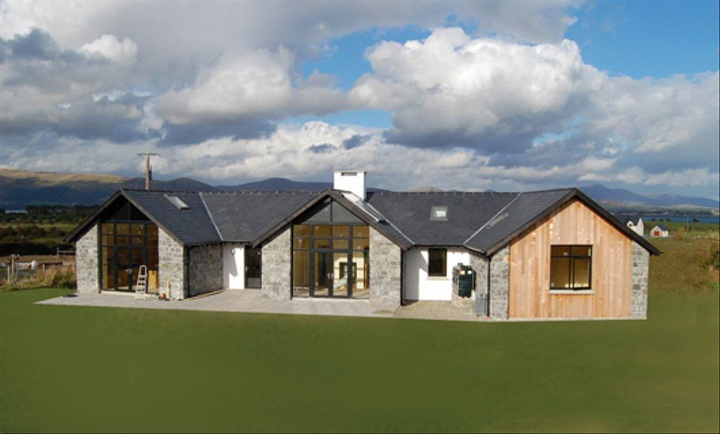 Modern Style House Plan 3 Beds 3 Baths 2328 Sq Ft Plan 520 6 Modern Bungalow Exterior Irish House Plans Modern Style House Plans
