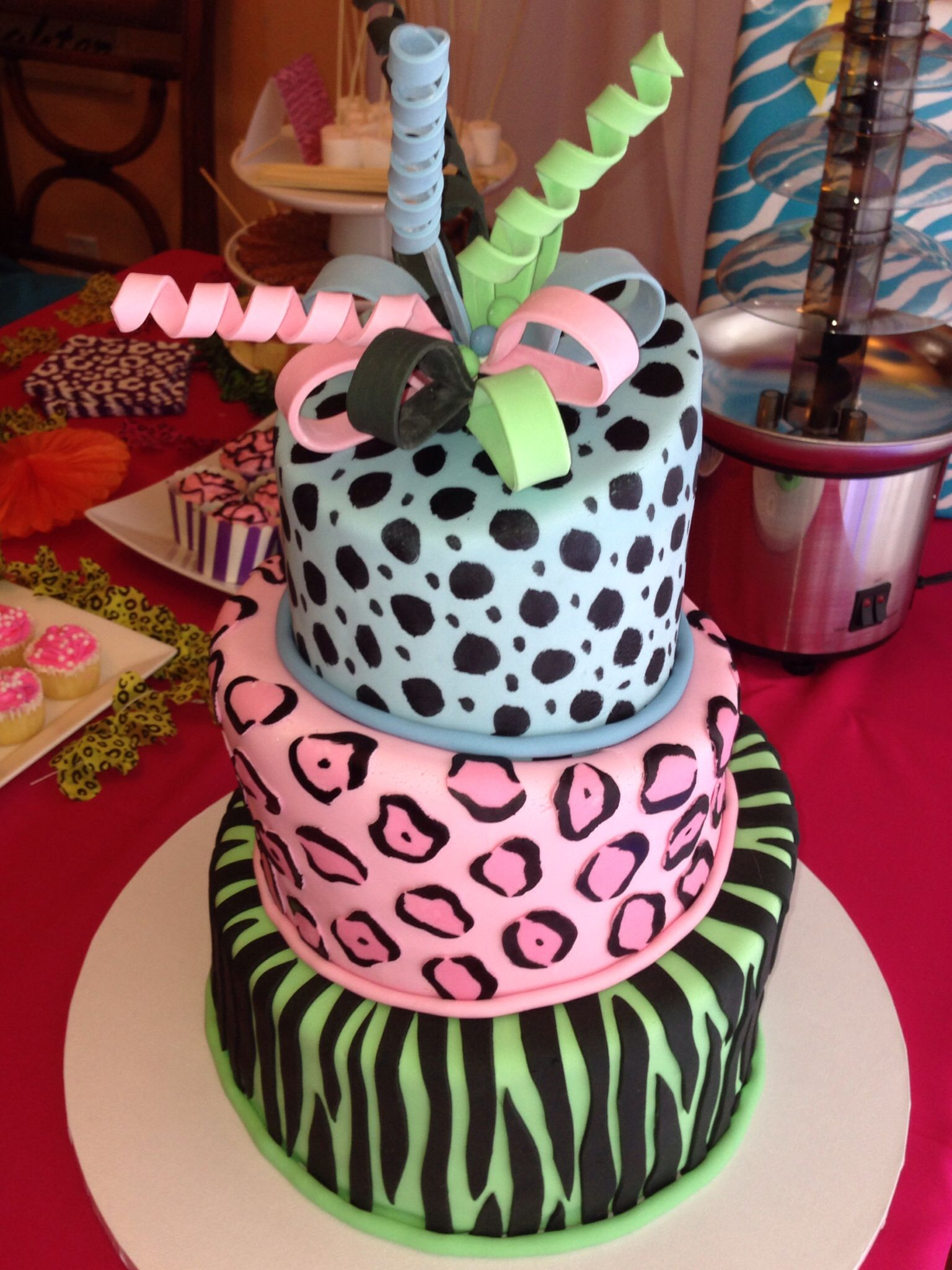 Awe Inspiring Animal Print Cake For A 9 Year Old Girl With Images 10Th Personalised Birthday Cards Beptaeletsinfo