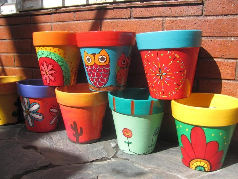 Macetas pintadas a mano macetas pinterest macetas - Decoracion de macetas de plastico ...