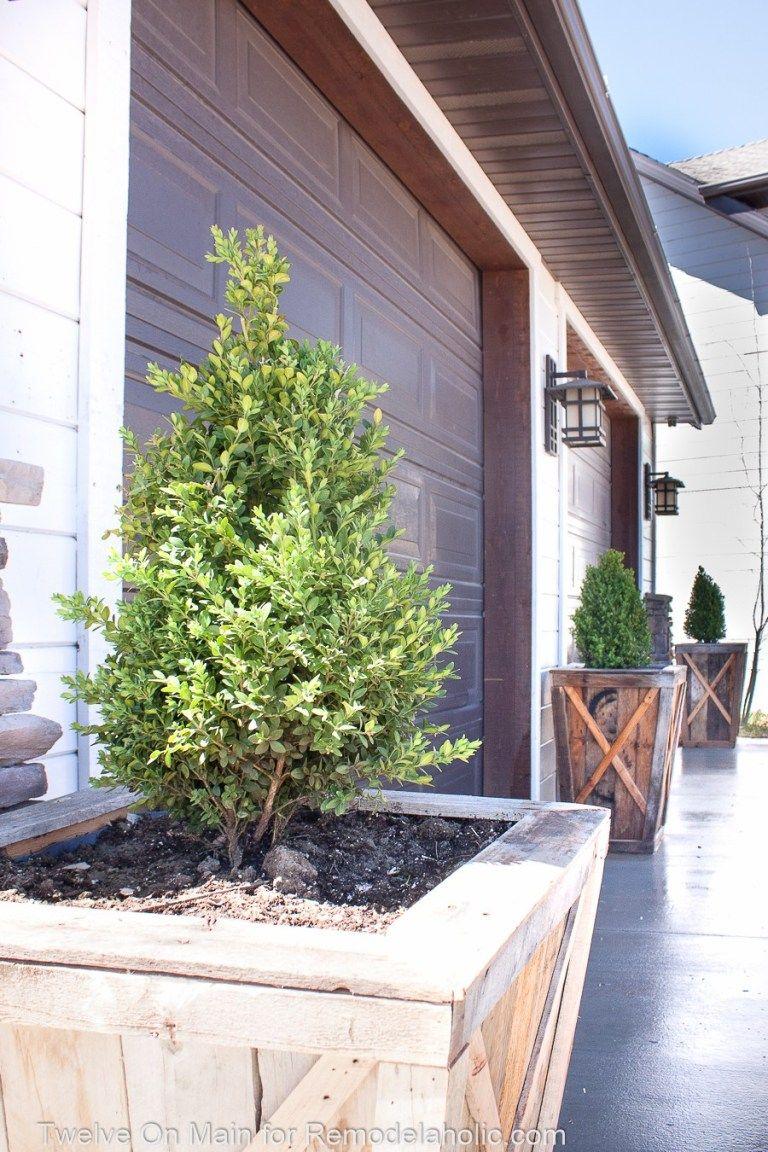 Remodelaholic | DIY Large Pallet Planters | Pallet planter ...