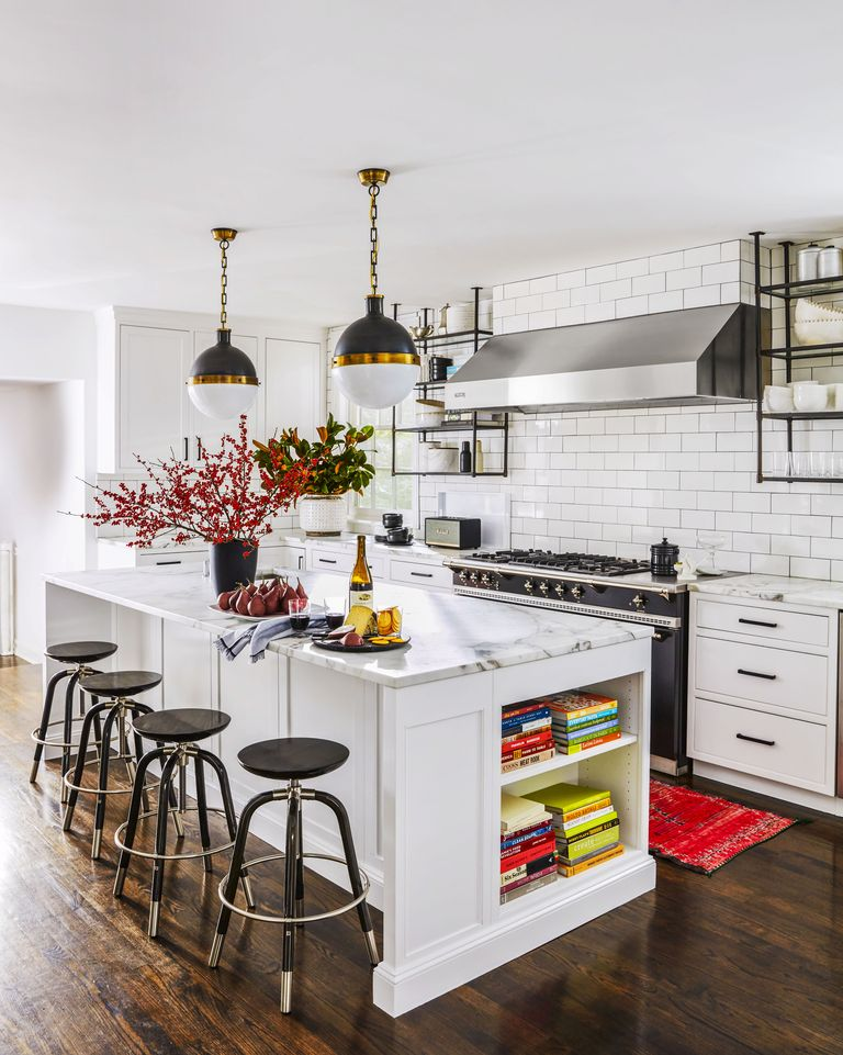 This Cb2 Exec S Chicago Home Is A Perfect Mix Of High Low Naturally Classy Kitchen White Kitchen Country Kitchen