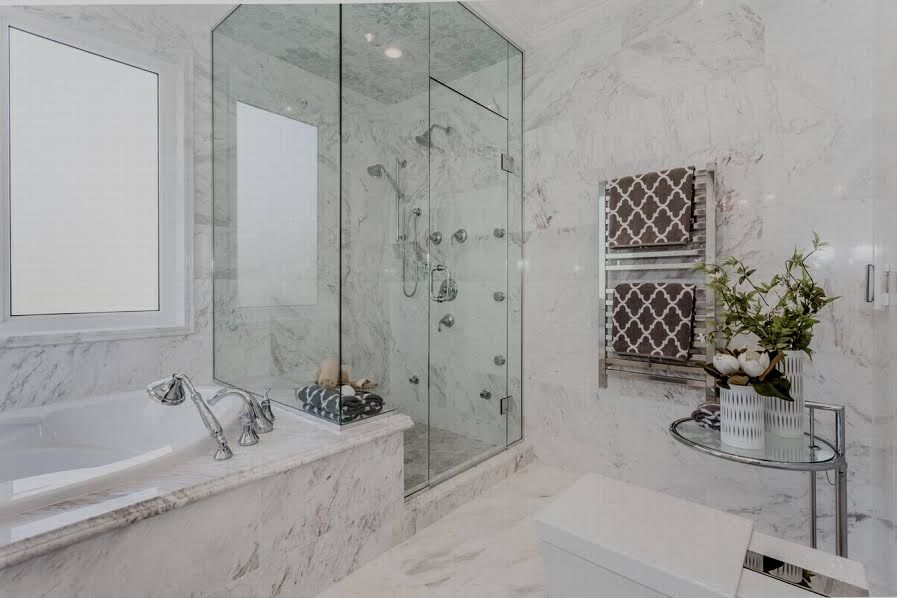 Beautiful Vancouver mansion. Supreme finishing throughout, full attention to detail, finest interior décor provides feeling of luxurious mixed classic/modern living