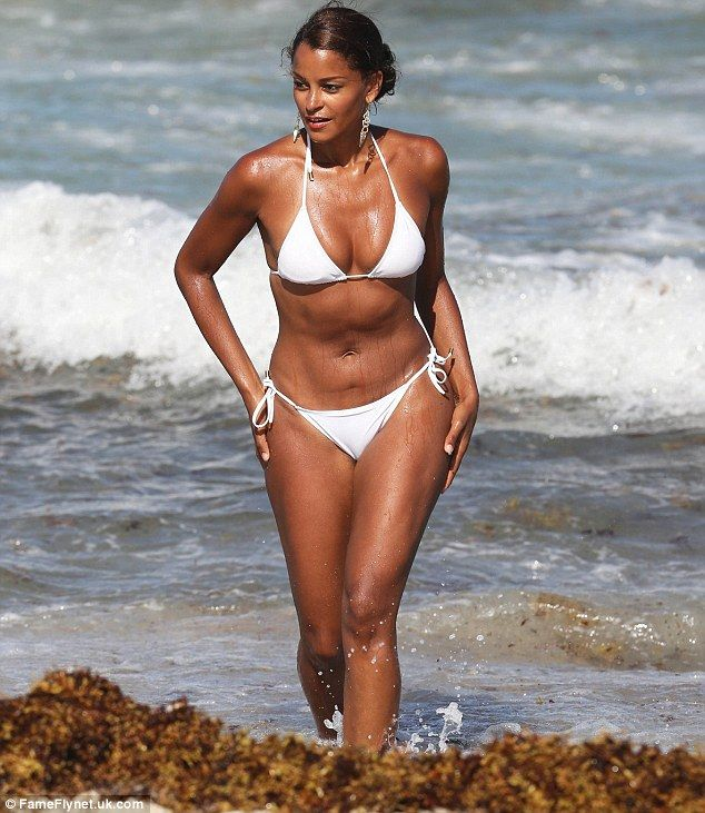 1f3d30ef7fc Wonder in white: Claudia Jordan was seen hitting the beach in Miami,  Florida for the third day in a row