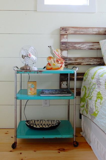 Some clever ideas for bedside tables that use space efficiently. From Houzz.com.