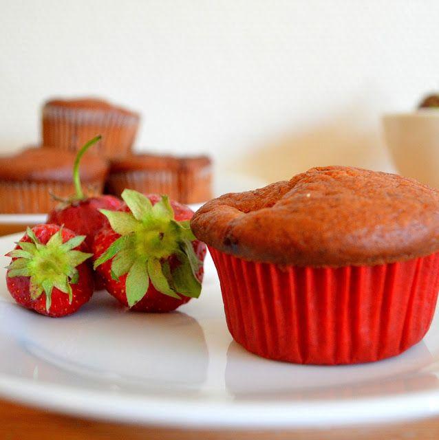 Indulge...: Eggless Strawberry Banana Muffins | Strawberry Banana Yogurt Cupcakes