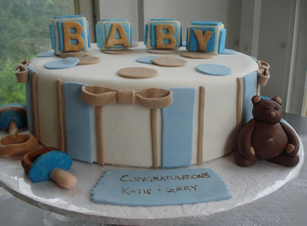 round baby shower cake with baby blocks and pacifiers  caty cake, Baby shower invitation