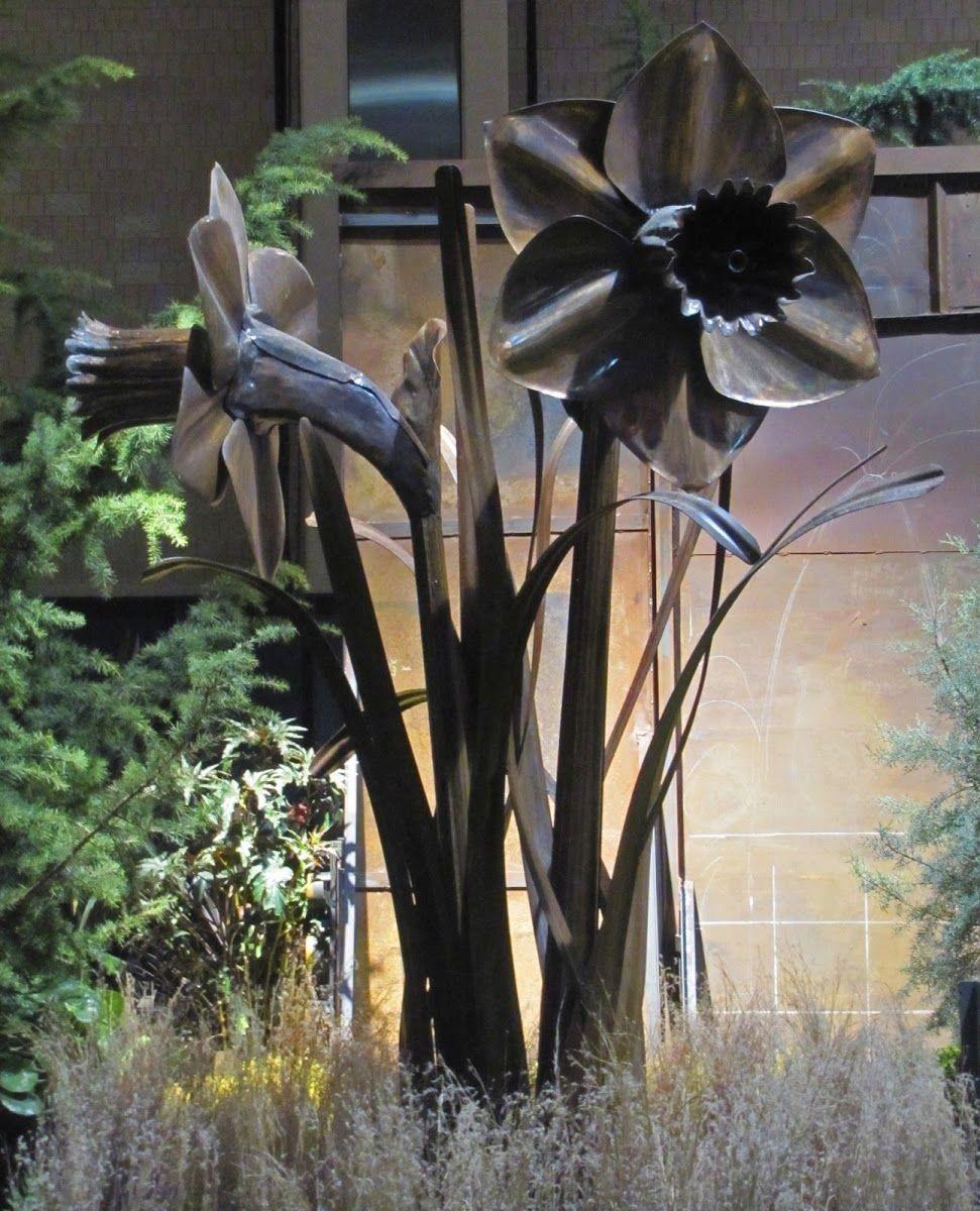 Giant Daffodil Garden Sculpture for the garden Modern