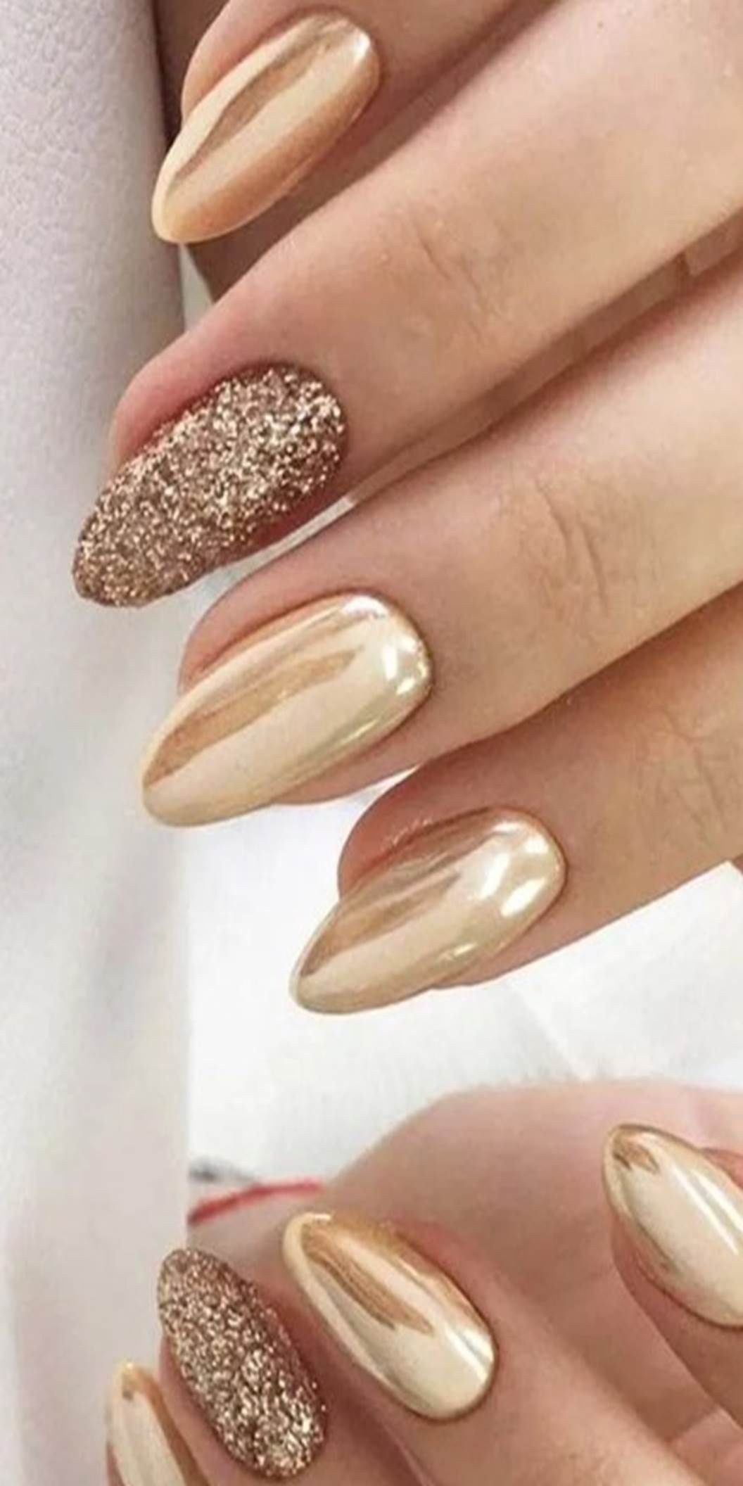 25 Netter Fall Manikure Zu Kopieren Right Now In 2020 Gold Nail Art Gold Nail Designs Golden Nails