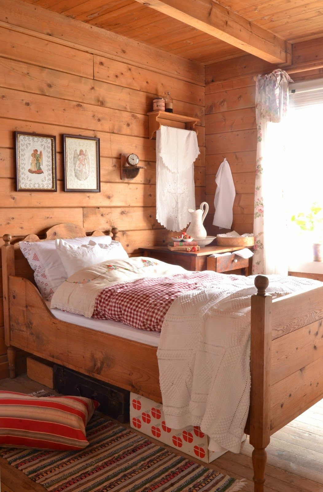 This Bed Is Gorgeous - Beautiful Rustic Room