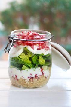 zum mitnehmen bitte granatapfel mozzarella salat im glas essen. Black Bedroom Furniture Sets. Home Design Ideas