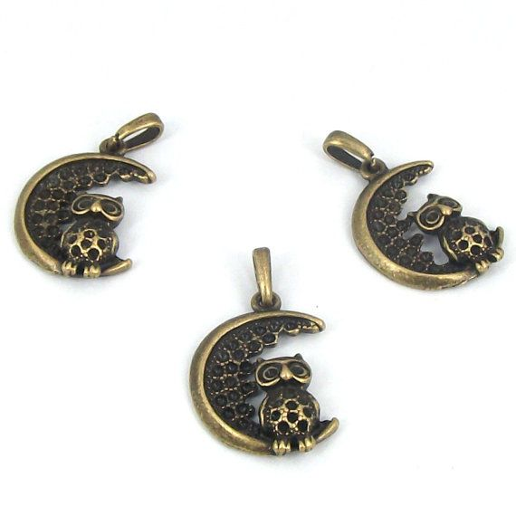 20pcs ancient bronze tone mini Hollow half-moon with by beadsmall