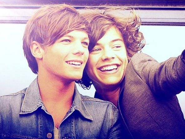 Larry Stylinson - Una pareja gay en One Direction obligada a estar en el armario 8540323a87d5bfa0ab868d5636868e6d