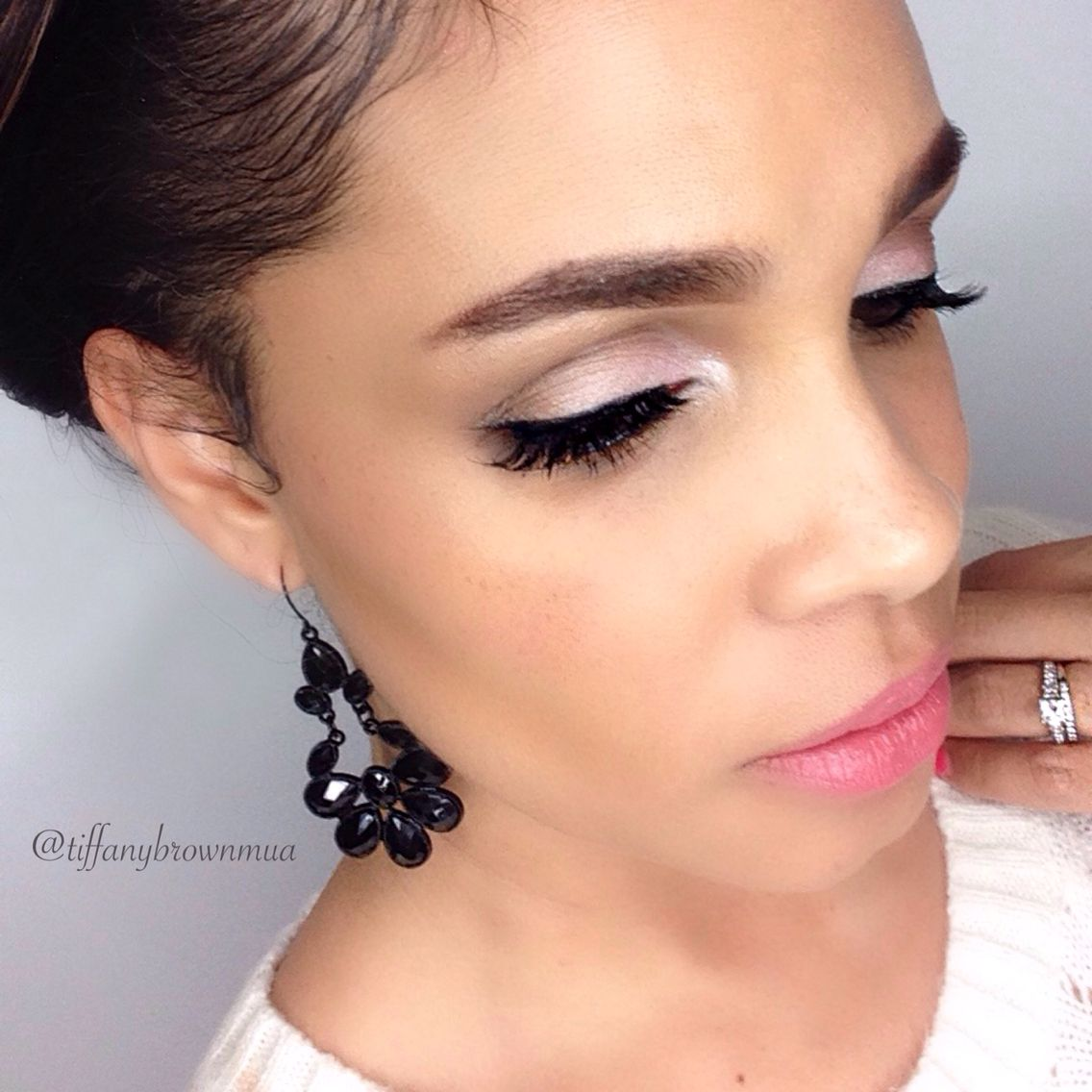 Simple Makeup Look For Valentines Day Makeup Valentinesday Loveday Makeuplook Eyebrows Natural Makeup Looks Natural Makeup Makeup Inspiration