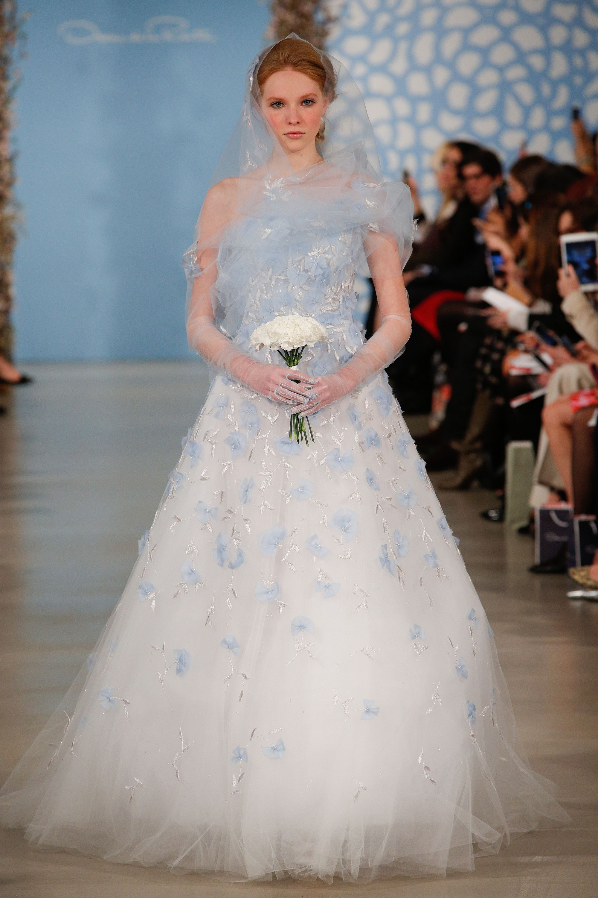 White and blue wedding dress  Oscar de la Renta robinus egg blue wedding gown metronews