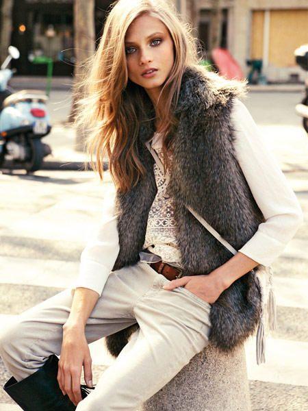 Der Winter kann kommen! Flauschiges Kunstfell auf Jacken und Westen hält uns jetzt mollig warm. Hier: Sechs Styling-Ideen für Fake Fur.