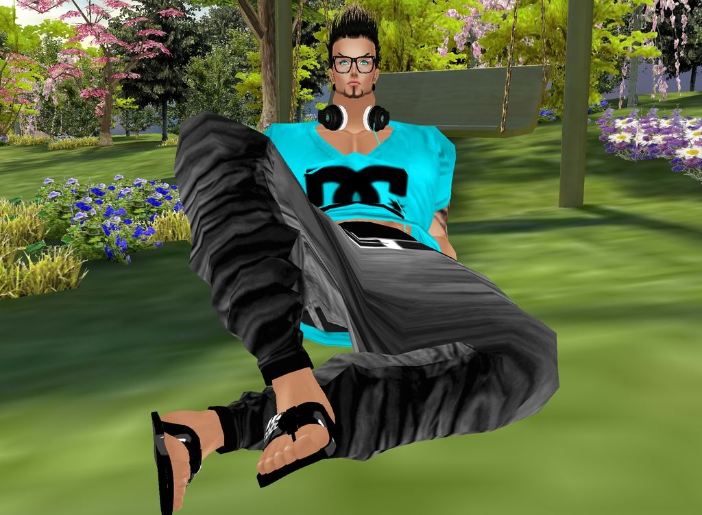 Captured Inside IMVU - Join the Fun!dds