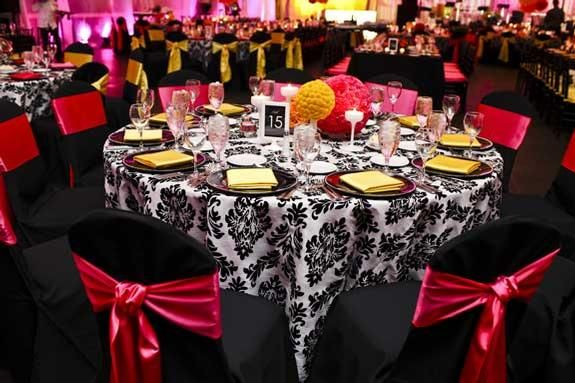 Damask Black And White Table Linen Black And Fuschia
