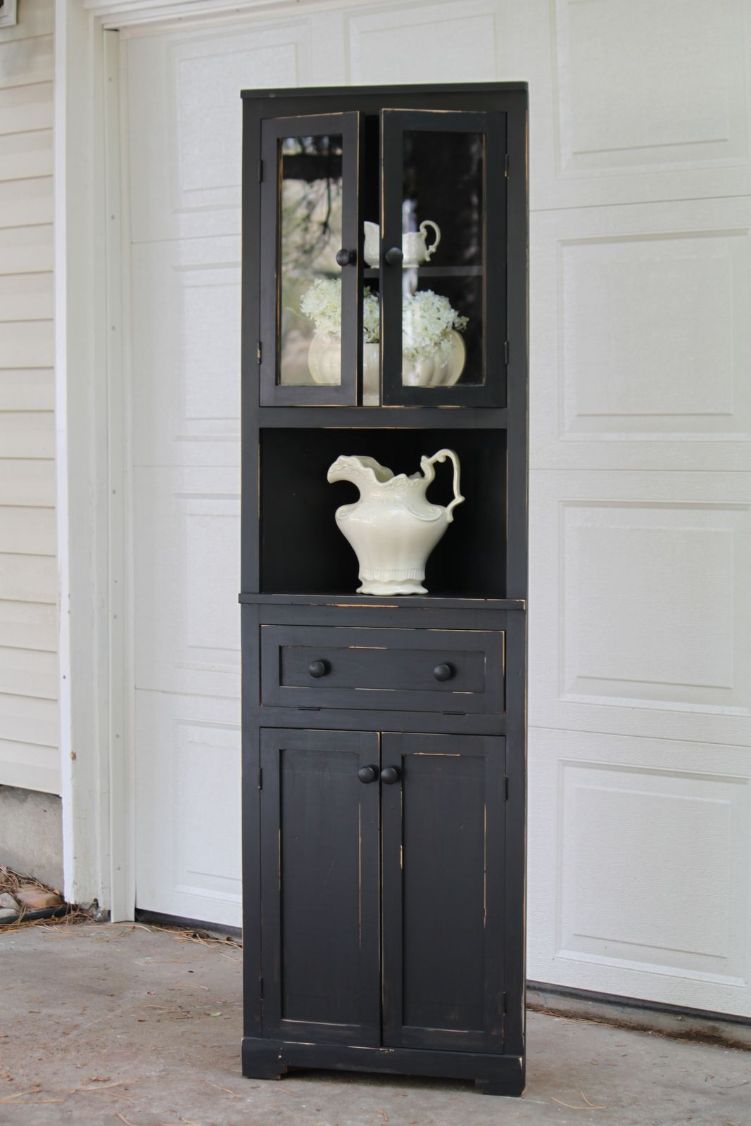 Corner hutch black distressed corner hutch vintage farm furniture cabinet shelving ideas for Black corner bathroom cabinet