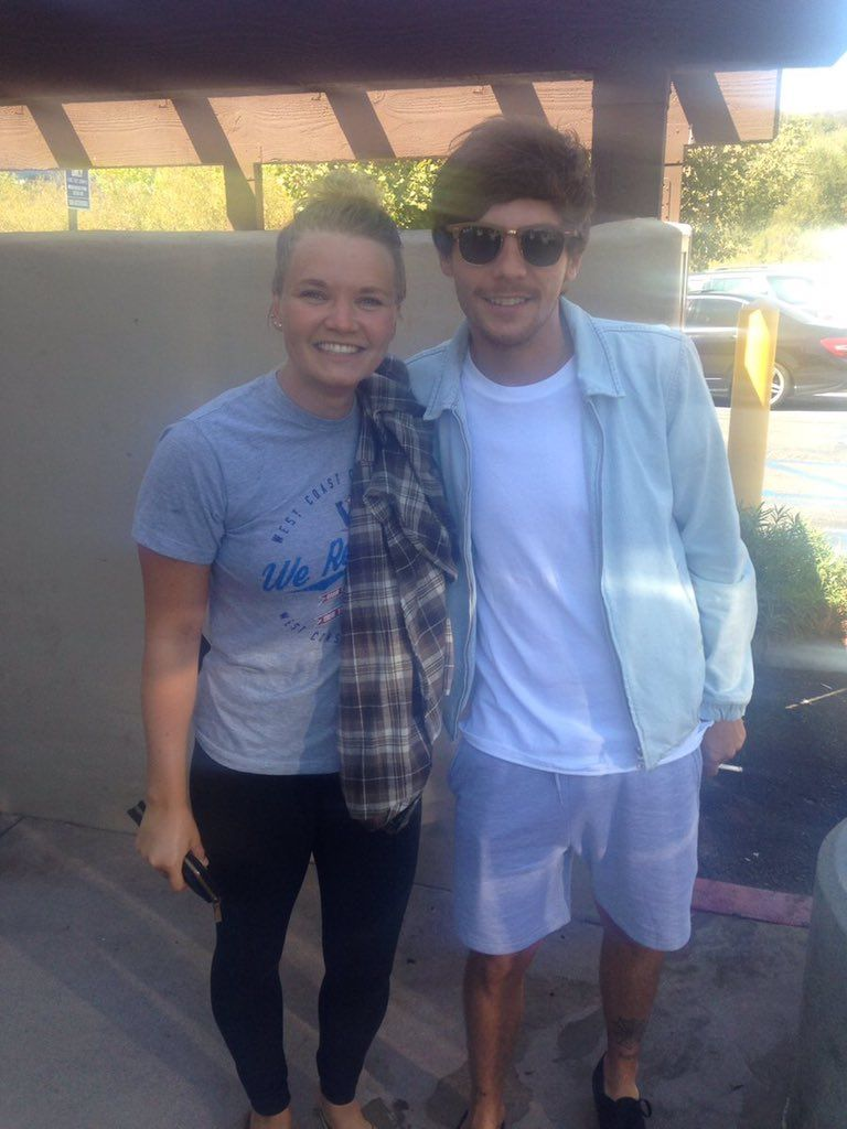 Louis with @kathrinestwitta at Starbucks in LA (Sept 17)