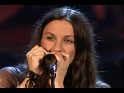 She S Such An Amazing Singer 3 Alanis Morissette Head Over Feet