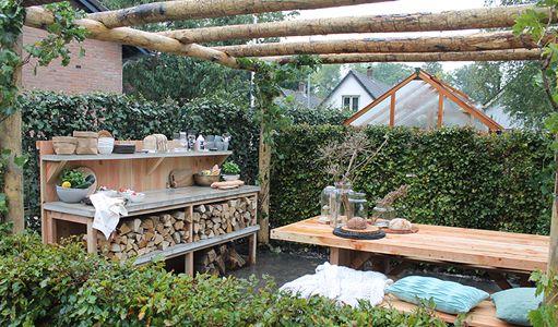 Houten tuintafel praxis free voor meubelen with houten for Eigen huis en tuin huis te koop