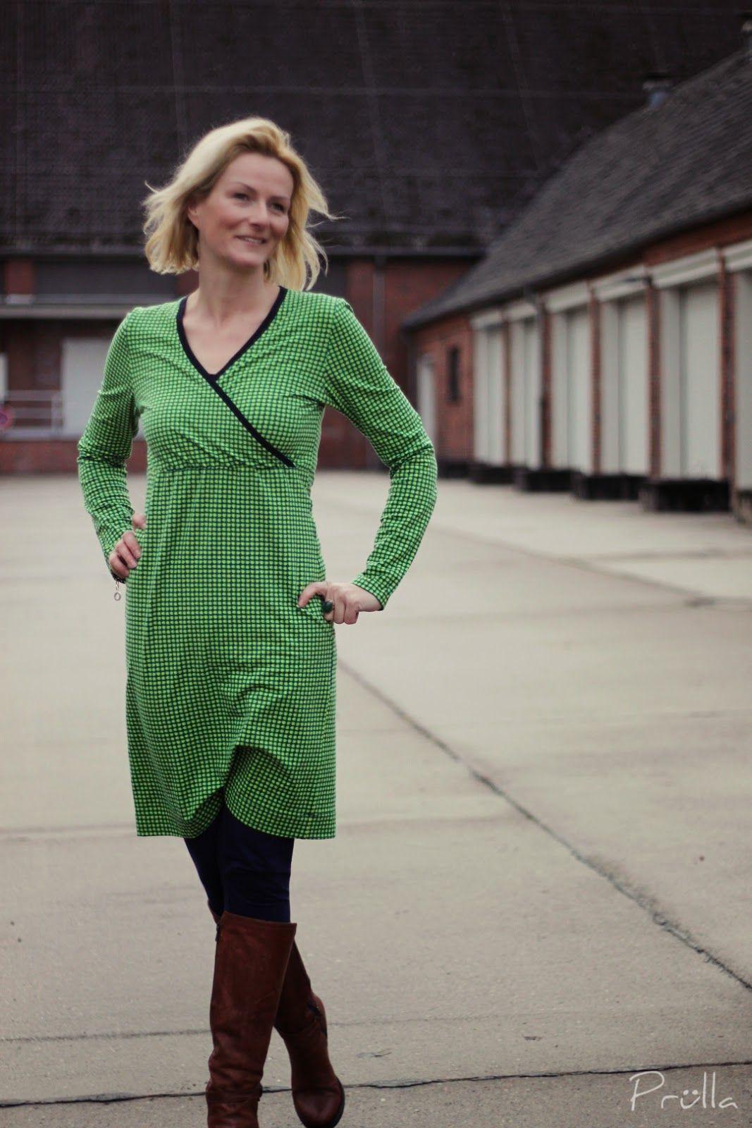 FrauLiese in grün | Kleid mit ärmel, Kleidung, Kleider