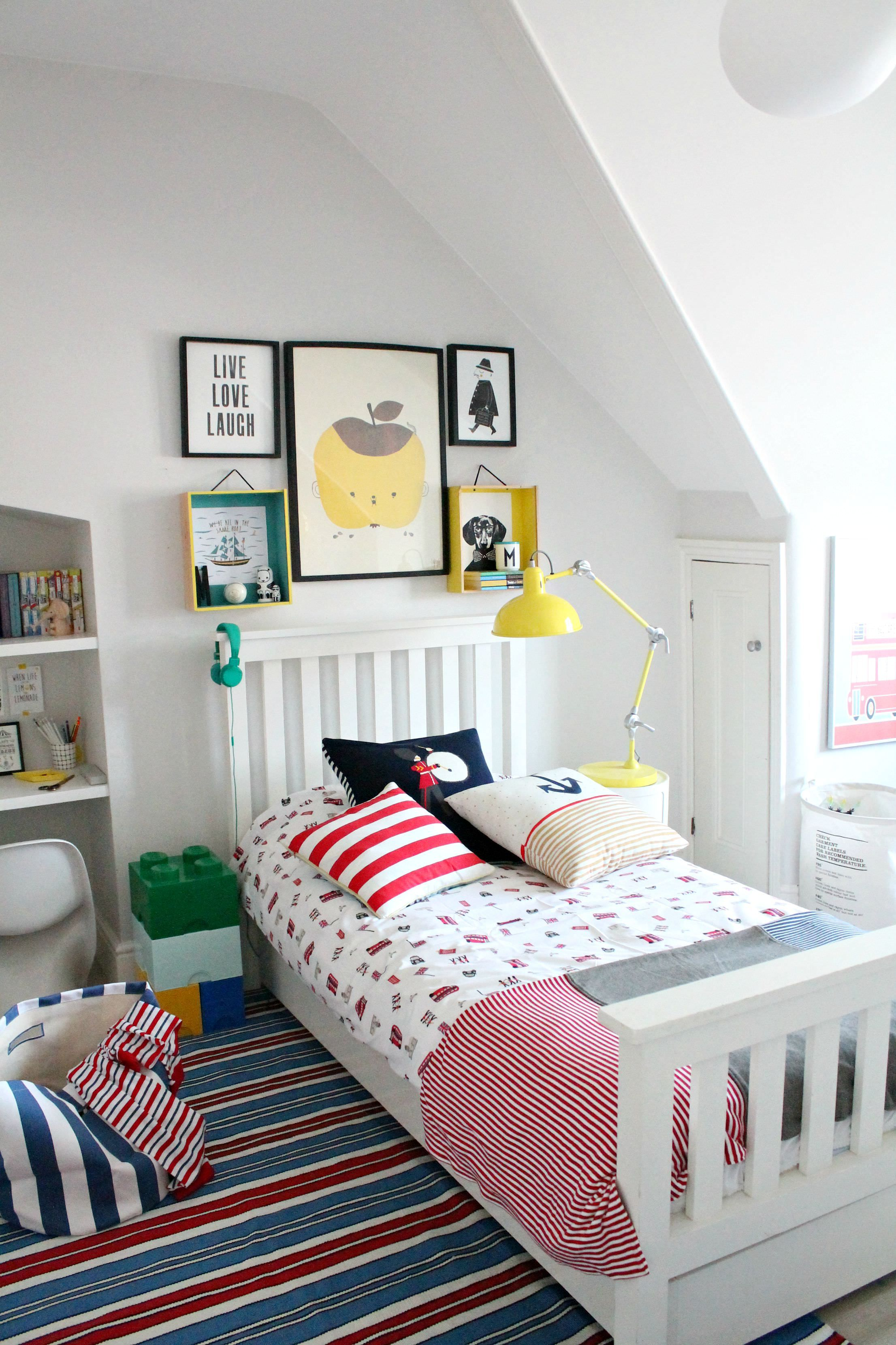 Boy's bedroom in primary colours