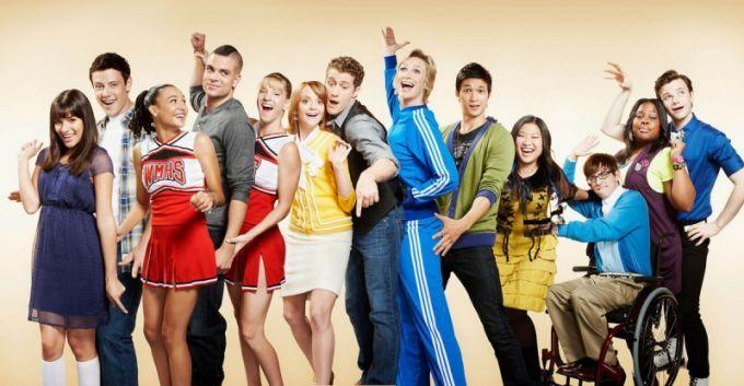 Ryan Murphy invitó al elenco original de Glee al episodio número ...