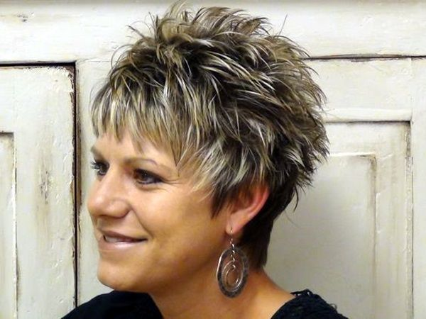 45 Short Hairstyles For Older Women Over 50