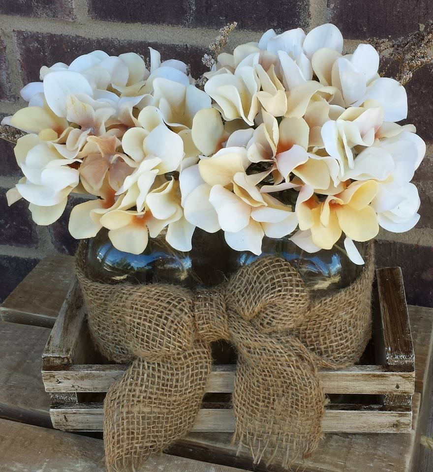 Country Wedding Centerpieces Ideas: Mason Jar Burlap Hydrangea Centerpiece