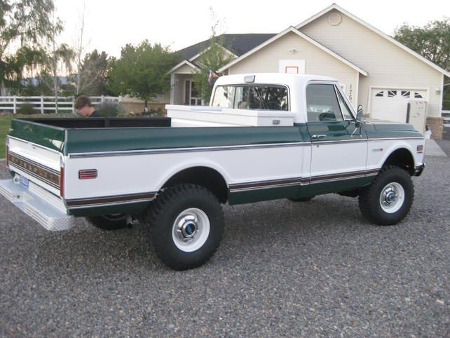 Love The Forest Green And White Chevy Trucks Classic Trucks